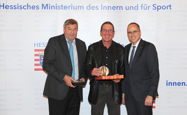 v.l. Dr. Rolf Müller, Andreas Beseler, Sportminister Peter Beuth, © Heibel