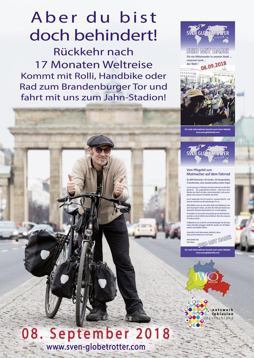 Sven Marx mit seinem Rad vor dem Brandenburger Tor. Plakat zur Rückkehr von Sven am 08.09.2018.